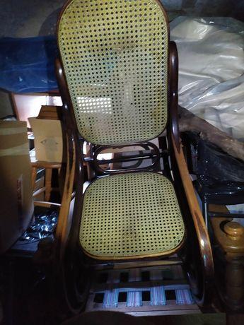 Fotel bujany drewniany stan bardzo dobry