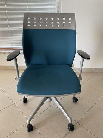 Cadeira de escritório ergonómica