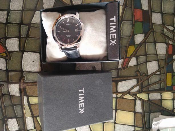 Timex nieużywany unisex damski /męski średnica tarczy 3.5 cm czarny