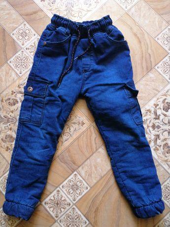 Продам джинси для хлопчика на зиму