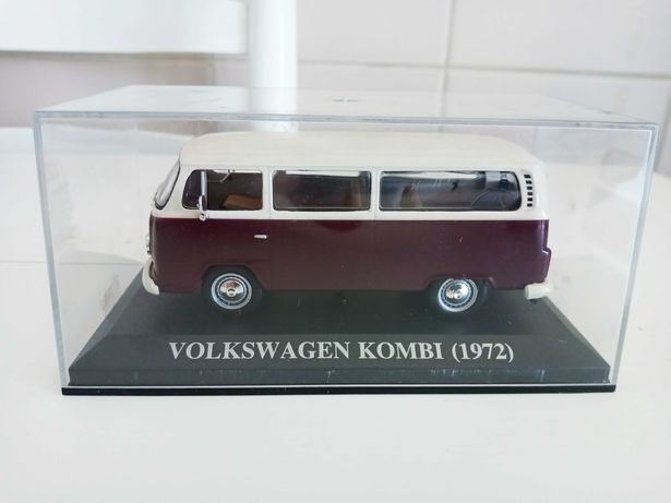 """VW Kombi Pão de Forma """"com matrícula portuguesa"""" 1972 1/43 Altaya"""