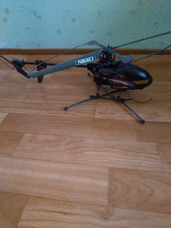 Продаю вертолет на радиоуправлении. Возможен обмен на гироскутер 10 д.