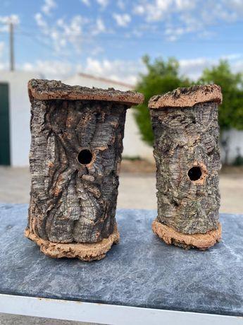 Ninhos para criação de aves