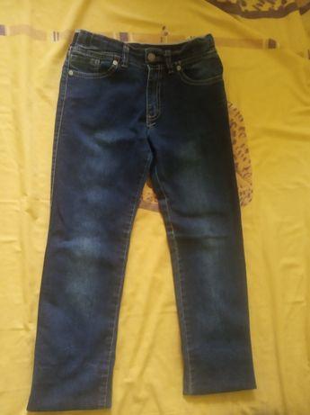 Продам джинсы на малтчика