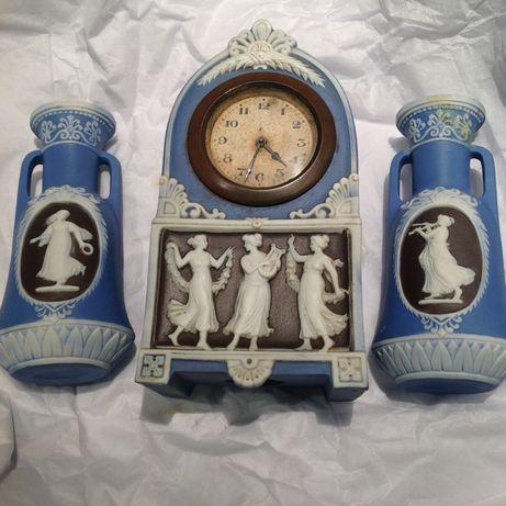 Lote antiguidades relógio( não funciona)+ 2 jarrinhas-peças numeradas
