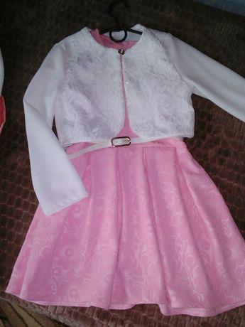 Плаття святкове 134р 200грн
