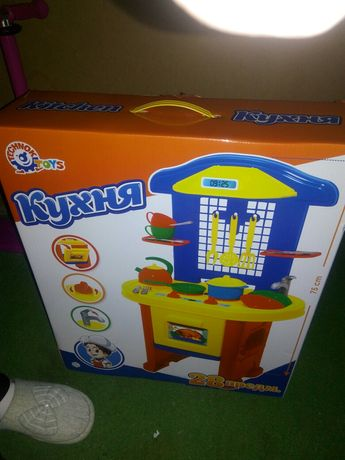 Детская кухня,игрушки