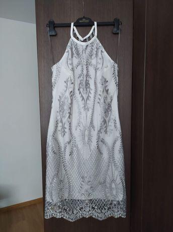 Sukienka biała na szyje