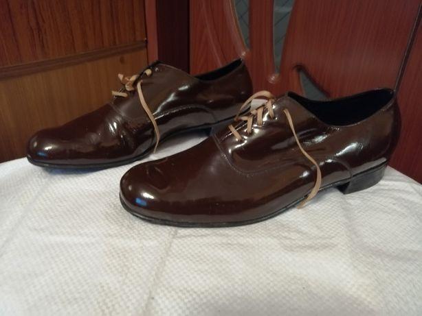 Туфли лакированные мужские.