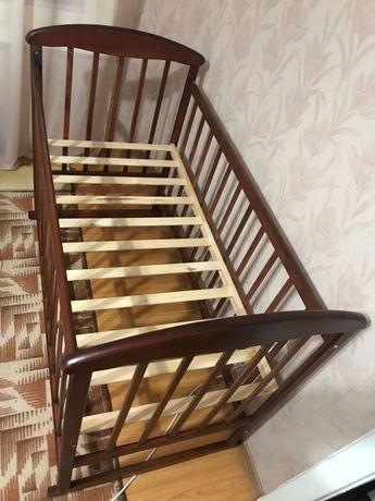 кроватка качалка на дугах-ольха 1000грн, матрас 500грн