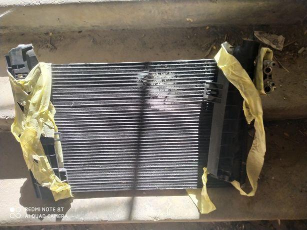 Радиатор BMW E90/91/92/93, трубочка кондиционера,BMW E90 Кулиса АКП