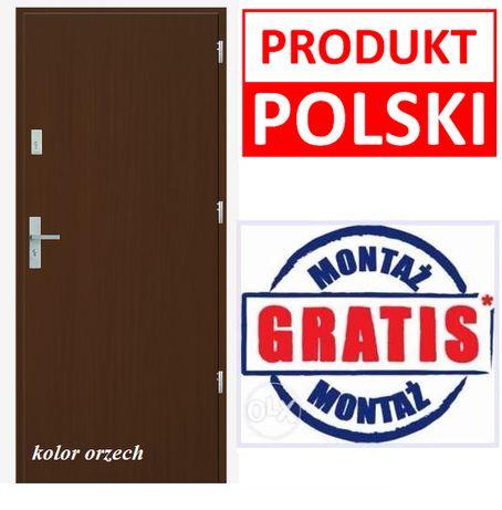 Wejściowe drzwi do mieszkań w bloku, Produkt Polski