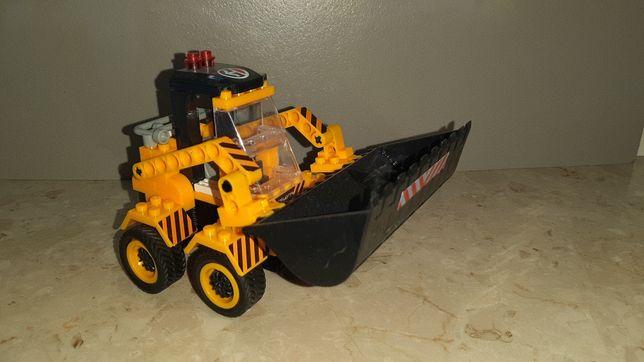 Kopark - ładowarka z klocków lego