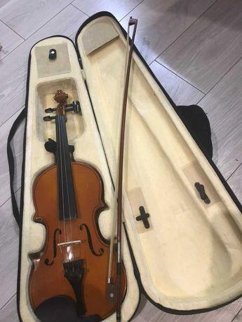 Скрипка 4/4 (смичок, футляр)