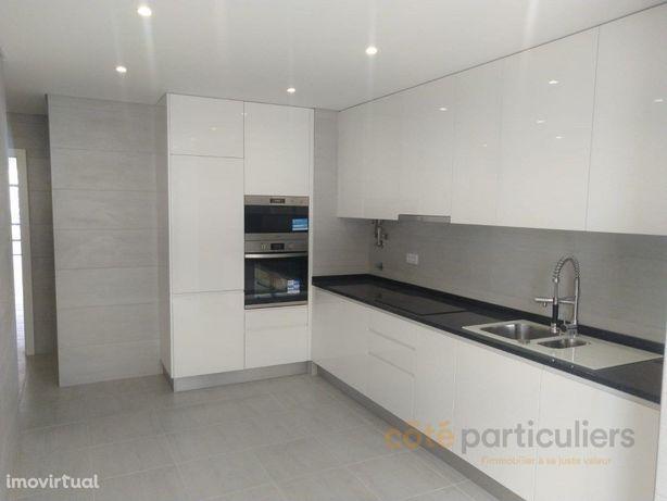 Apartamento T3 com Garagem - Quarteira