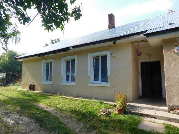 Продається двокімнатна квартира, в м. Хирів. з ремонтом і меблями