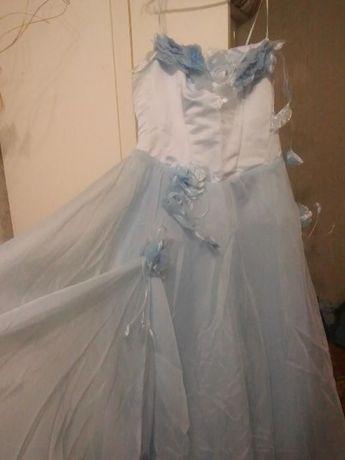 Продам платье р. 52-56 пышное выпускное