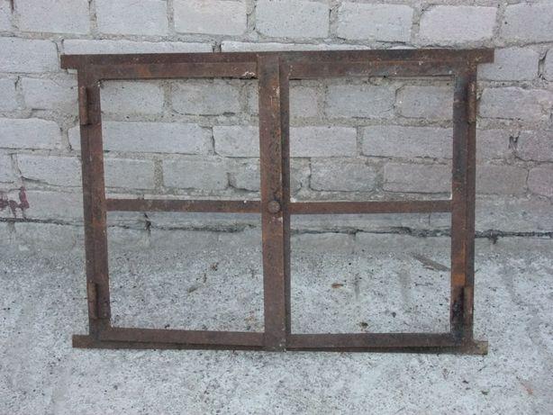 Okno metalowe prostokatne