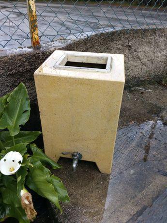 Depisito de agua 25 litros em betão c/torneira