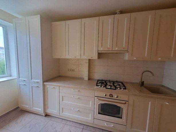 Продаж чотирьох кімнатної квартири