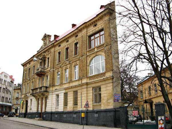 Хостел в Львові, Цілодобово! Приватні кімнати