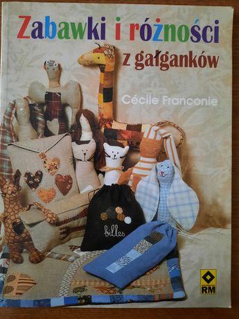 Zabawki i różności z gałganków,robótki ręczne