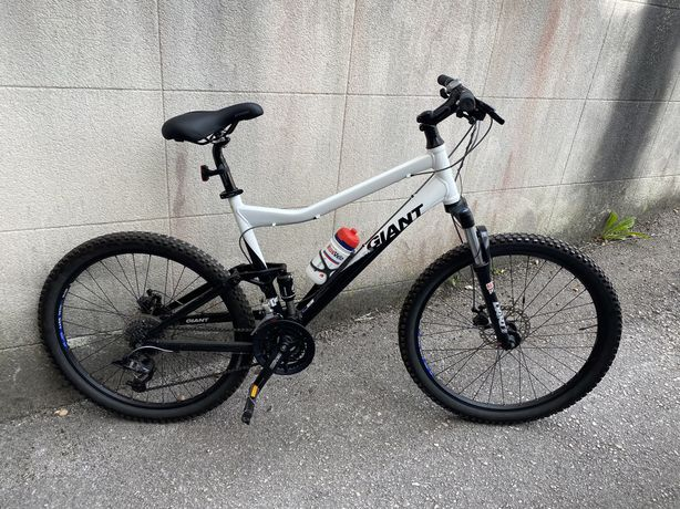 Bicicleta BTT Giant