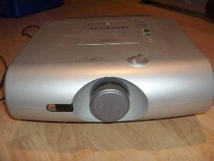 Projektor SHARP XV-C20E