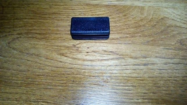 Заглушка пластикова 15х30 10х20 20х30 20х40 мм для профільних труб