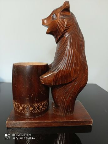 Медведь с бочонком . Дерево.СССР