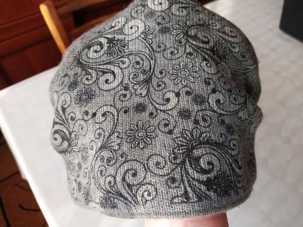 шапка нова,тепла