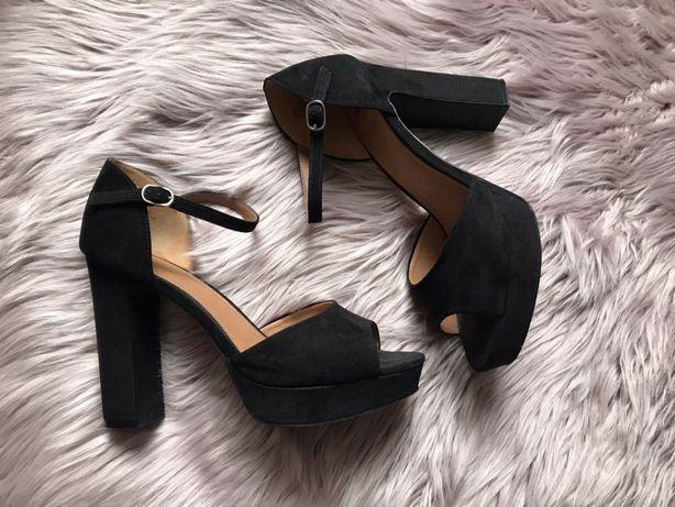 Czarne sandałki H&M
