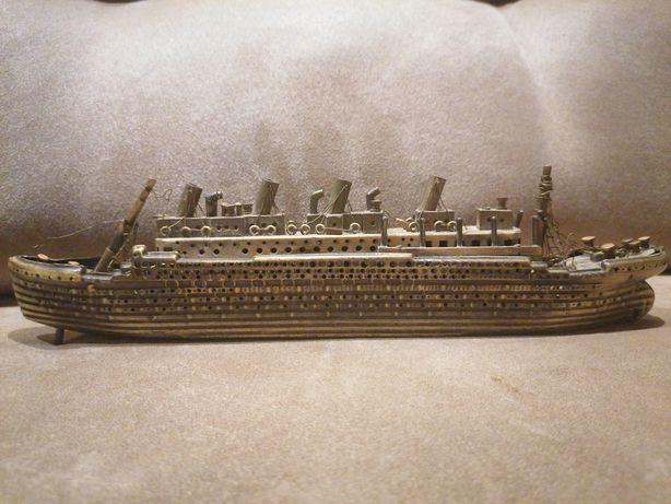 Модель корабля для аквариума