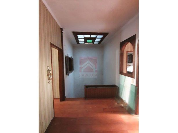 Prédio em São Vicente, Braga – Perfeito para habitação de...