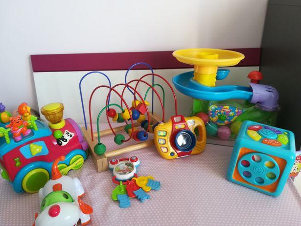 zestaw zabawek w tym fontanna Playskool!