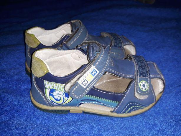 Летние сандалики