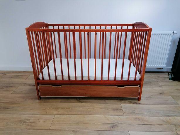 Sprzedam łóżeczko drewniane z szufladą