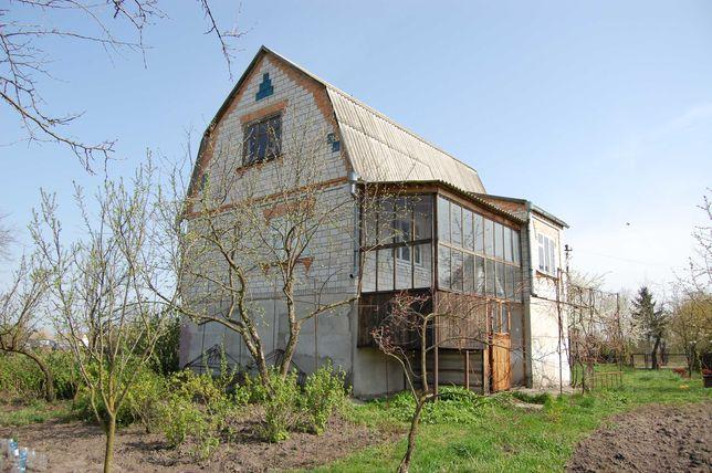 Цегляний будинок 130 кв.м. з ділянкою 25 соток