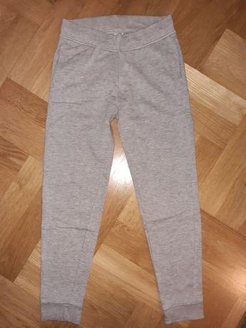 Spodnie dresowe ciepłe 134 C&A