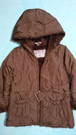 Зимняя,демисезонная курточка, пальто на девочку на 3-4 года