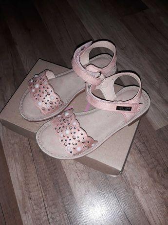 Buty/Sandałki dla dziewczynki z perełkami rozmiar 27