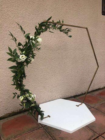 Підставка під весільний торт