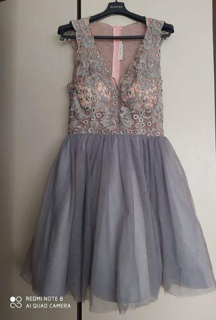 Sukienka z tiulem rozmiar 36