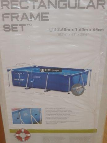 Vendo piscina nova 260x160x65cm da Intex com bomba de filtrar agua