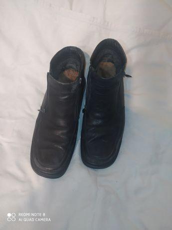 Ботинки кожаные бу для работы.