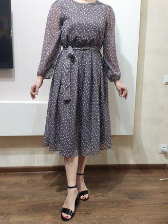 Продам шифоновое платье в горошек