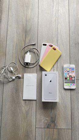Iphone 8 ładowarka słuchawki pudełko stan bardzo dobry etui