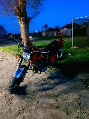 Продам мотоцикл требует небольшого ремонта .