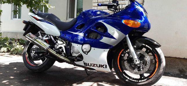 Suzuki GSX600F Katana