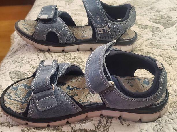 Продам дитячі сандалі Primigi на хлопця